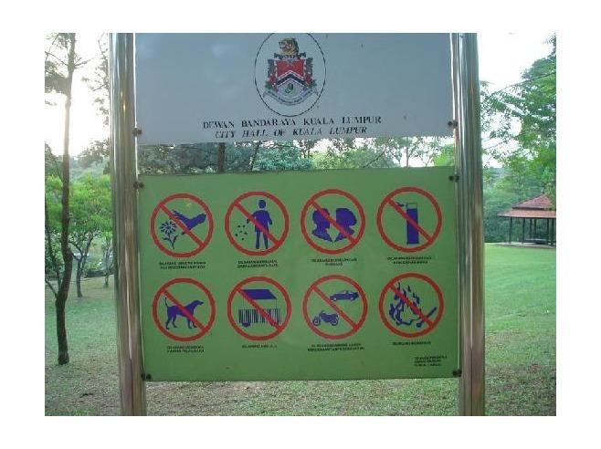 letrero no besar Kuala Lumpur